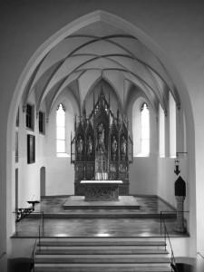 Fotomontage des Hochaltars von 1851 im modernen Altarraum