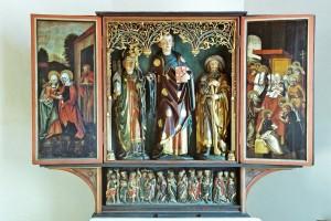 Gotischer Schnitzaltar in der Leonhardskapelle