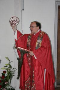 Ein Mensch ohne den Heiligen Geist ist wie ein Fußball ohne Luft - Foto Fischer Oettingen