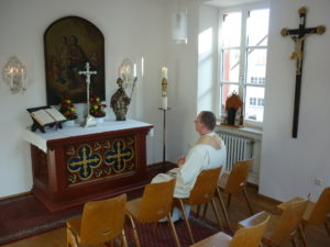 Hauskapelle von Stadtpfarrer Dr. Ulrich Manz im Pfarrhof Oettingen